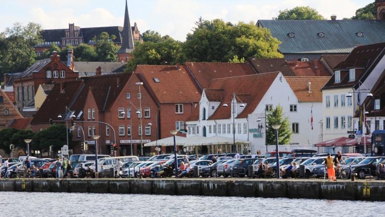 Parkplätze an der Schiffbrücke