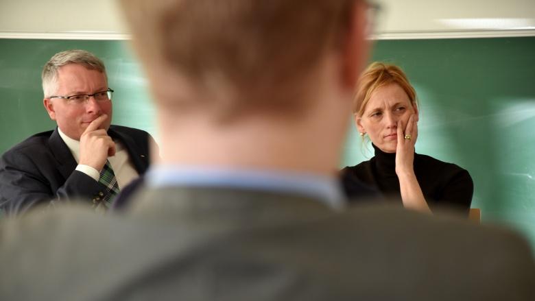 Karin Prien, designierte Bildungsministerin für Schleswig-Holstein, in der Diskussion mit Arne Rüstemeier