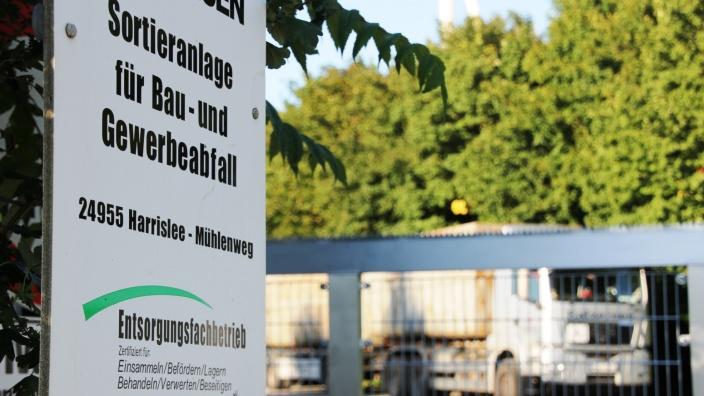 Eingang zur Mülldeponie in Harrislee
