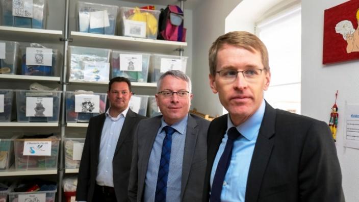 Besuch bei Schutzengel mit Daniel Günther, Arne Rüstemeier und Timo Schwendke