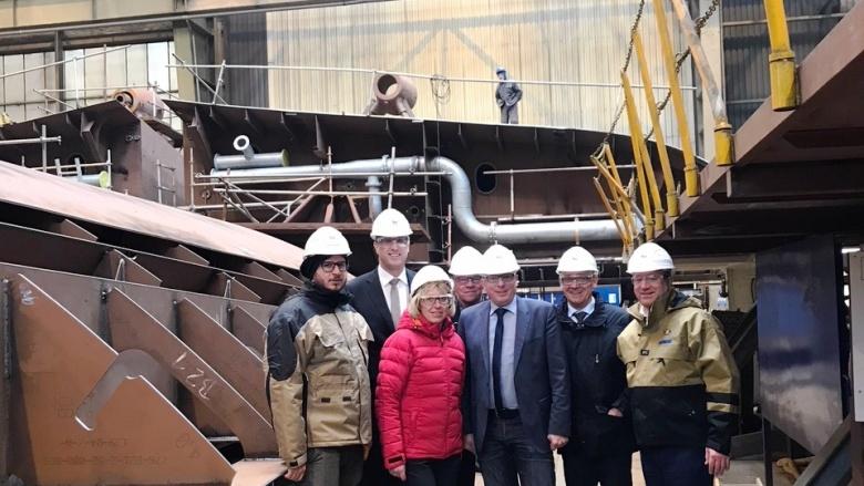 Bei der Flensburger Schiffbaugesellschaft: Landtagsfraktionsvorsitzender Tobias Koch