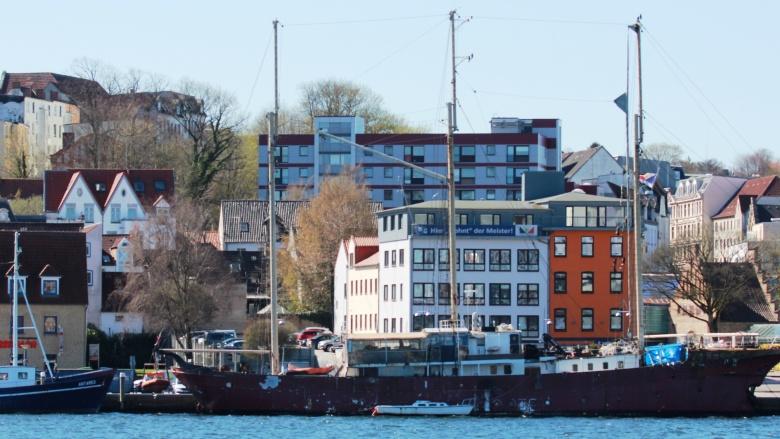 Möglicher Liegeplatz eines Parkschiffes: Nördliche Schiffbrücke