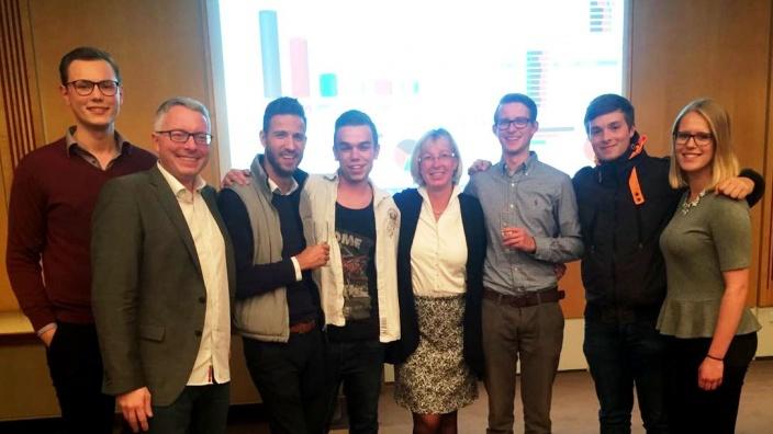 Flensburger Wahlkämpfer mit der künftigen Abgeordneten Petra Nicolaisen